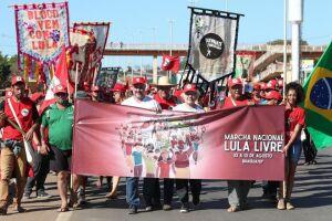 Os militantes estão acampados na área central de Brasília, ao lado do estádio Mané Garrincha