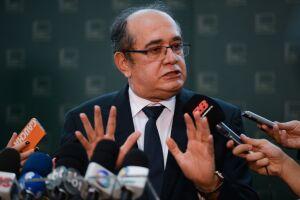 Para Gilmar, a especulação em torno do caso de Bolsonaro é devaneio, e gera uma judicialização excessiva da política
