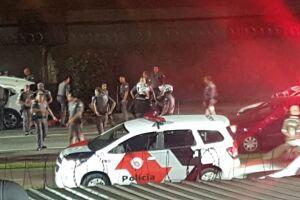 Roubo a residência terminou em tiros e perseguição em Santos.