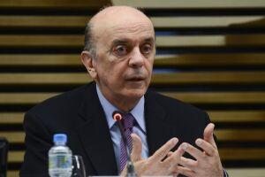 A defesa de José Serra pediu o arquivamento das investigações e não o envio para a primeira instância