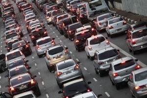 Prazo acaba na próxima sexta-feira (31); Valor do licenciamento é de R$ 87,38 para todo tipo de veículo