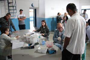 Bertioga realiza testes de infecções sexualmente transmissíveis no Albergue Municipal