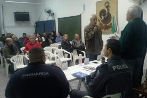 Encontro mensal do 2º Conselho Comunitário de Segurança (Conseg), realizado na noite desta terça-feira (7), reuniu aproximadamente trinta pessoas no Campo Grande