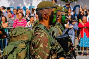 O tema 'Brasil País de Nações' faz uma referência aos refugiados que buscam uma oportunidade de recomeço
