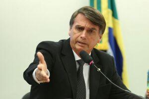 O deputado falou que não responderá aos ataques feitos pelo tucano em seu programa de TV.