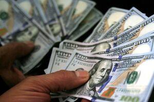 O dólar fechou abaixo de R$ 4 nesta quinta-feira