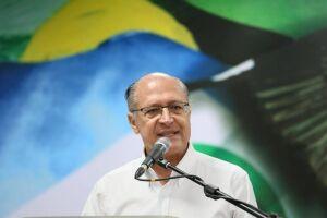 Geraldo Alckmin (PSDB) disse que ficou horrorizado com a declaração do vice de Jair Bolsonaro (PSL)