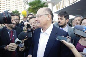 A campanha de Alckmin no rádio e na TV já vinha fazendo críticas a Bolsonaro