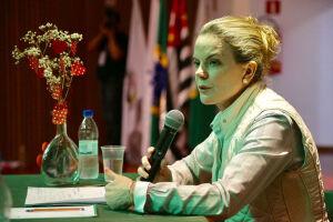 Gleisi Hoffmann lamentou o incidente com o presidenciável Jair Bolsonaro