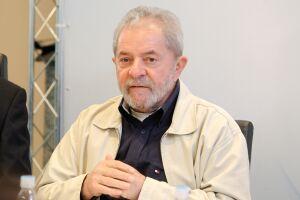 Lula foi condenado pelo Tribunal Regional Federal da 4ª Região (TRF4) a 12 anos e um mês de prisão por corrupção e lavagem de dinheiro no caso do tríplex no Guarujá (SP)