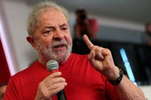 A candidatura de Lula foi barrada com base na Lei da Ficha Limpa