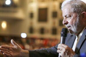 Na hipótese de descumprimento de sua decisão, aplica multa no valor de R$500 mil para cada propaganda eleitoral