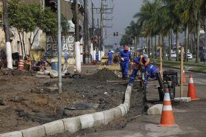 Serão enterrados no solo da futura Avenida Beira Rio, mais de 156 mil metros de geodrenos
