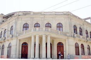 O teatro Coliseu e outros prédios públicos da Cidade não têm AVCB