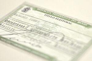 No dia da eleição, o eleitor deve levar um documento oficial com foto