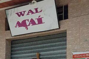 Loja de açaí da Wal, assessora de Bolsonaro, sendo a Folha de São Paulo.