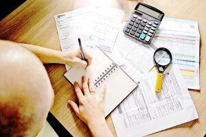 Endividamento de famílias fica estável de agosto para setembro