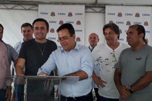 O prefeito Ademário também conclamou os moradores a esclarecer todas as dúvidas