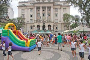 O Dia das Crianças foi celebrado nesta quarta-feira (10) no Centro