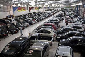 As vendas de veículos seminovos e usados no país caiu 15,4%