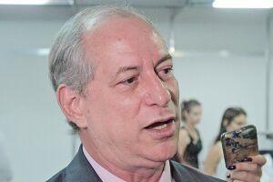 Ciro Gomes articula a formação de um movimento que seja um contraponto à frente de esquerda