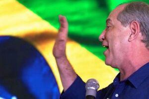 Ciro Gomes (PDT) declarou nesse domingo (28) que fará oposição a qualquer candidato que vença a eleição presidencial .