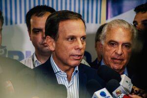 João Doria (PSDB) disse que o material de campanha sem CNPJ apreendido em seu comitê pode ter sido produzido pela equipe de Márcio França (PSB)