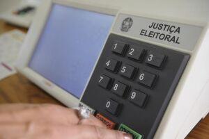Eleitores decidem o segundo turno no próximo dia 27