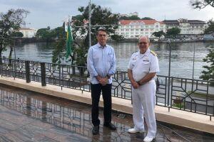 Jair Bolsonaro toma café da manhã hoje (16) com o comandante da Marinha, almirante Eduardo Bacellar