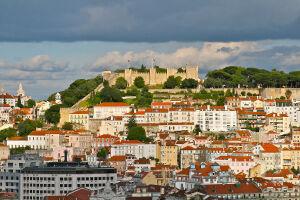 A polícia portuguesa apreendeu a escritura do castelo de Lisboa à venda no OLX