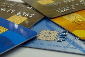 Consumidores brasileiros ainda não conseguem lidar com as dívidas do cartão