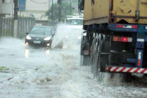 Defesa Civil apontou que o acumulado de chuvas foi de 73 mm e a maré chegou a um metro e meio às duas horas da manhã