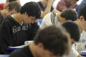 Estudantes beneficiados pelo Fies têm até sexta-feira (23) para renovar os contratos