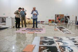 A abertura oficial acontece às 19 horas, na Galeria Nilton Zanotti