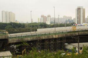 Ruptura no viaduto, que cedeu cerca de 2 metros, ocorreu há uma semana