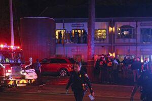 Um homem matou duas pessoas e depois se suicidou após abrir fogo em um estúdio de ioga em Tallahassee, capital da Flórida (EUA).