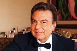 O cantor Agnaldo Rayol estará junto do Coral Municipal de Santos.