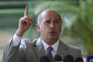 O futuro ministro da Casa Civil, Onyx Lorenzoni, intensifica as conversas com os líderes partidários