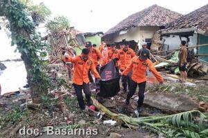 Autoridades da Indonésia confirmaram a morte de 373 pessoas