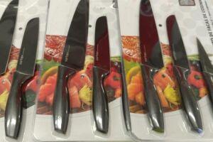 Com o homem foram encontrados três jogos de facas ainda na embalagem
