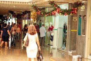 Shoppings apostam na interatividade e no horário maior de vendas para atrair clientes
