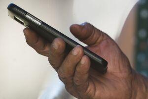 Os usuários já estão recebendo mensagens de SMS, informando que o aparelho irregular será bloqueado