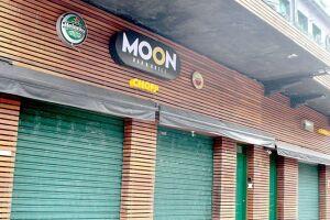 O Moon abriu em novembro, no lugar do Baccará; pai de estudante morto faz apelo contra o local.