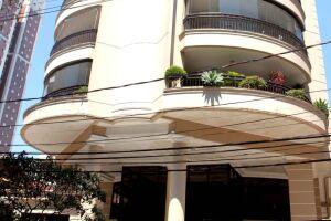 O prédio invadido fica na Rua Eloy Fernandes