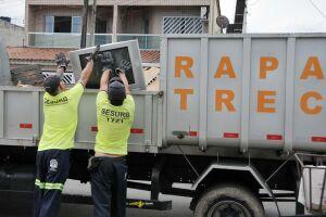 A ação é feita de acordo com cronograma, passando por todos os bairros da Cidade ao longo da semana