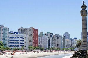 Os shows gratuitos acontecem na Praça Tom Jobim, na praia do Gonzaguinha, das 11h até às 19h30.