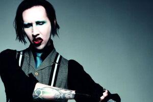 O cantor americano Marylin Manson, cujo o nome verdadeiro é Brian Hugh Warner, completa 50 anos.