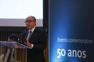 Segundo Marcos Cintra, equipe também discute imposto único