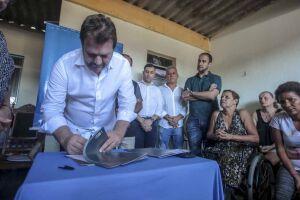 A ordem de serviço para realização desta ação foi assinada pelo prefeito da Cidade, Alberto Mourão