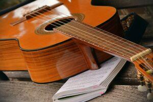 Ainda é possível ingressar em uma oficina de música em Guarujá